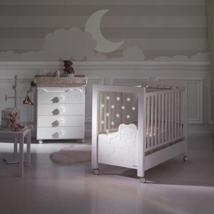 De mooiste babykamer meubels en accessoires tom enlilly for Les accessoire chambre bebe oran