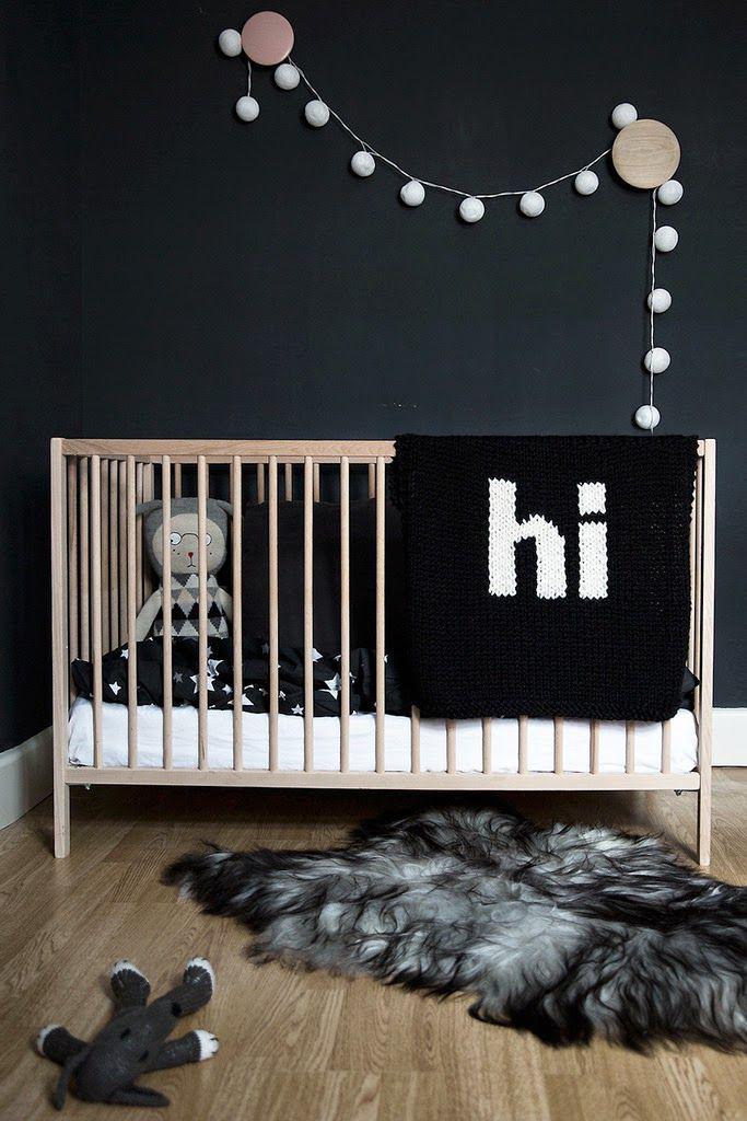 donkere babykamer, zwart wit babykamer