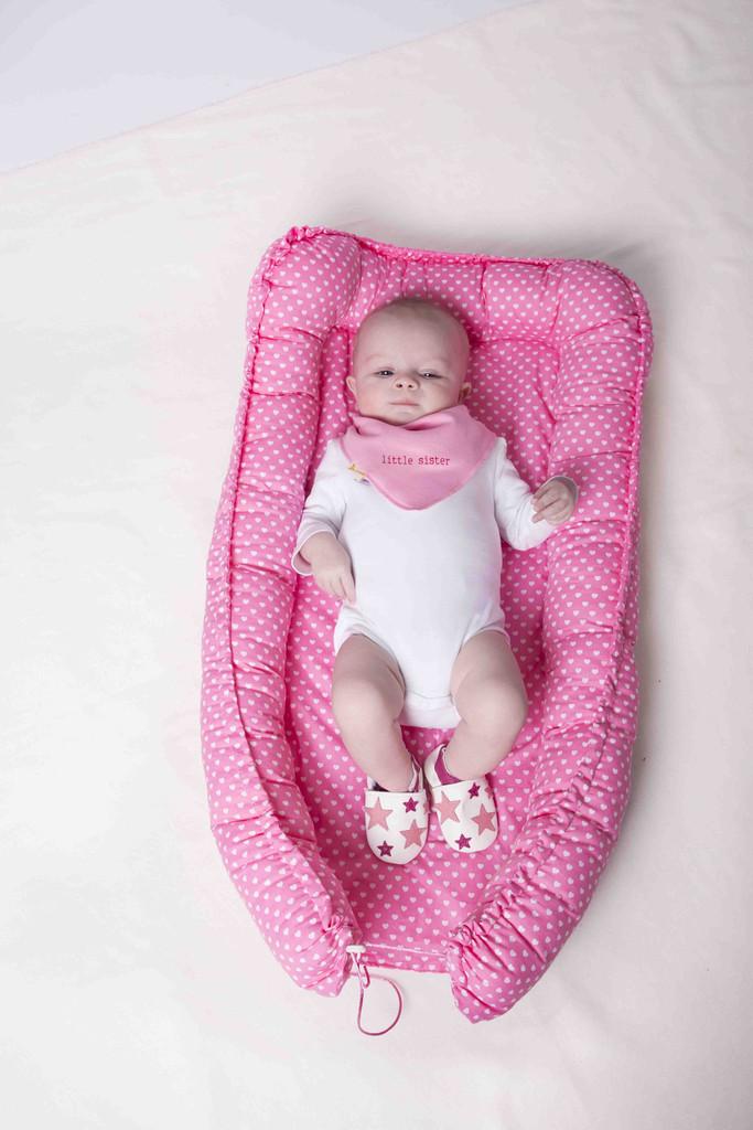 babycocon, babynestje, roze, babylabel