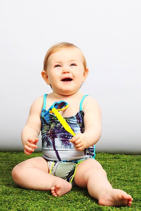 Super schattig Claesens badpakje met hippe fotoprint: https://www.baby-label.com/zwemkleding-voor-babys