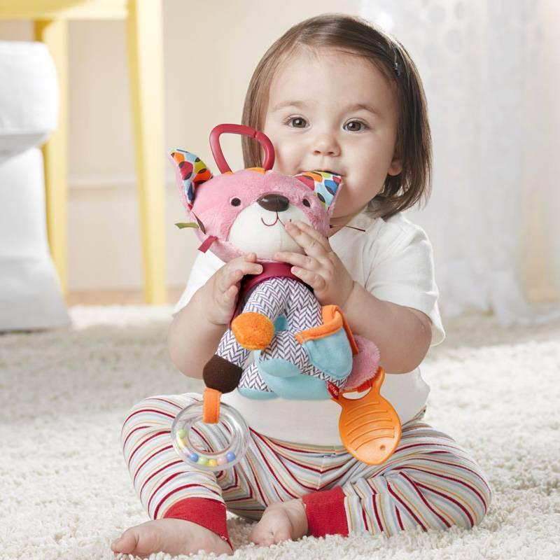skip-hop-activiteiten-knuffel-babylabel