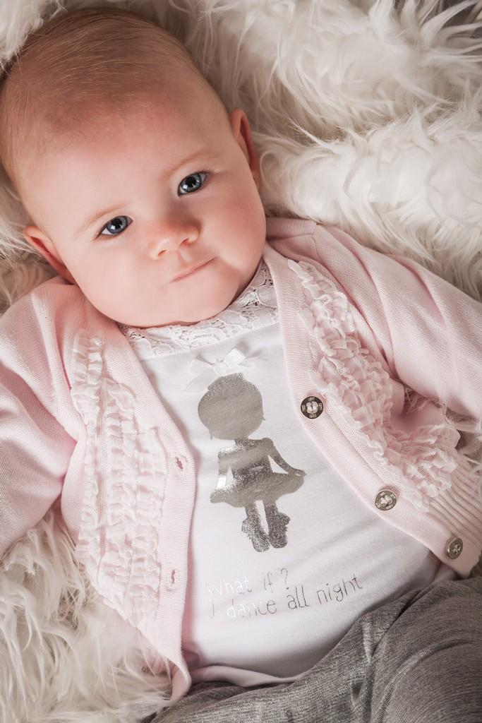Dirkje-vestje-roze-babylabel