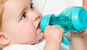 babyfles, kies de juiste babyfles, drinkbeker, baby fles, sfles difrax flessen