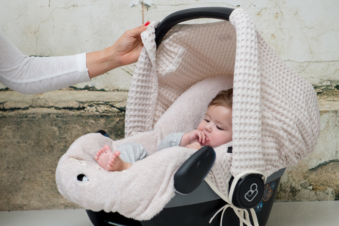 onderweg met je baby, zonnekap, maxicosi zonnekap