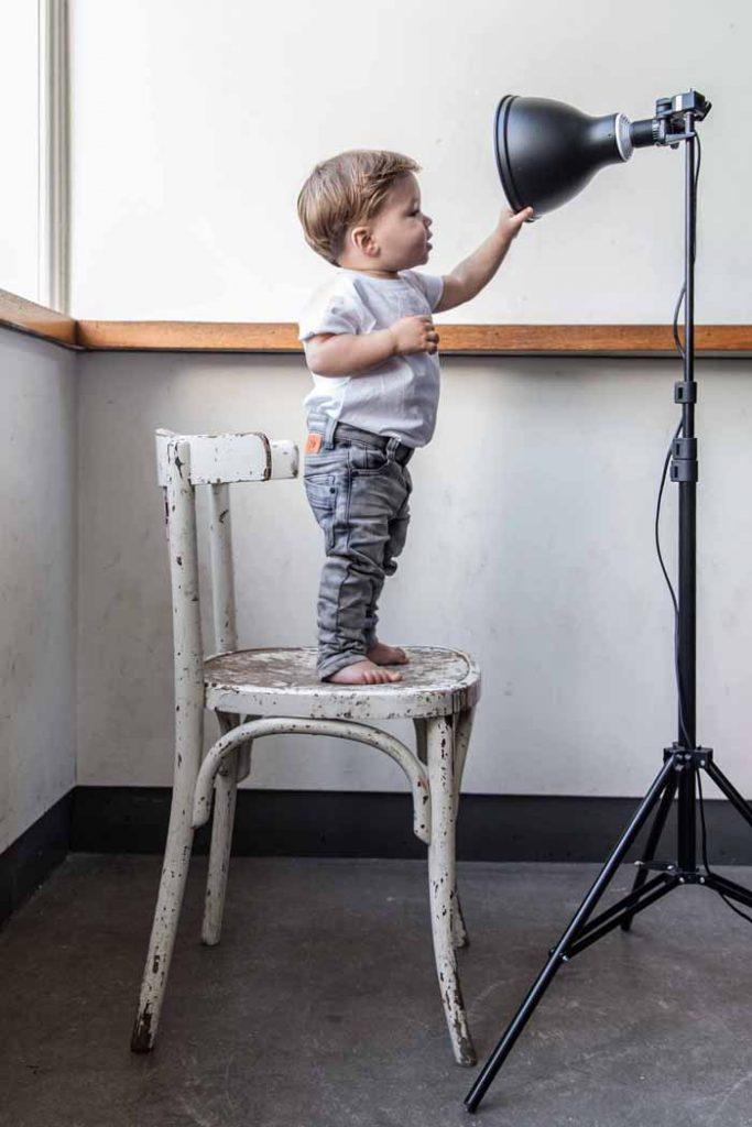 stoere baby spijkerbroeken, grijze baby spijkerbroek, spijkerbroek voor baby