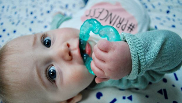 eerste tandjes, babytandjes, baby krijgt tanden