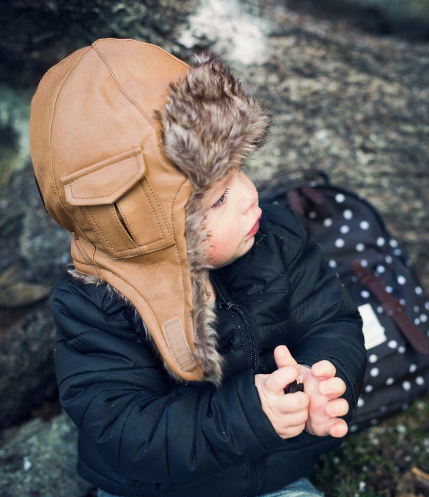 leren wintermuts, babykleding jongen, winterkleding baby, babymuts