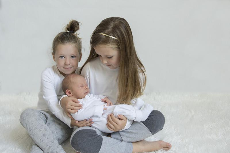 hoe merk je dat de bevalling begint, derde kindje geboren, geboorte baby, babylabel
