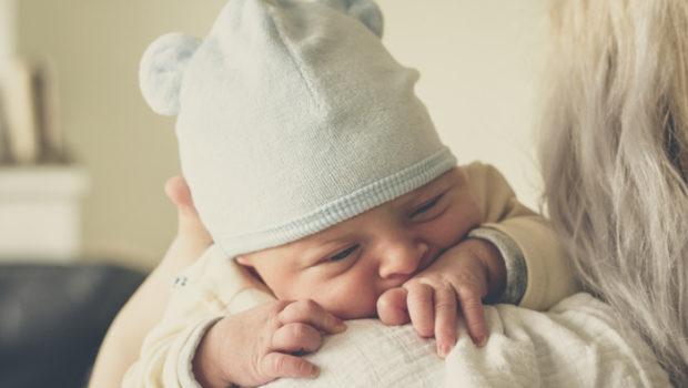 baby laten boeren, baby boertje, baby kan niet boeren, niet boeren is gevaarlijk voor baby