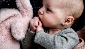 kraambezoek, kraamvisite, baby, newborn