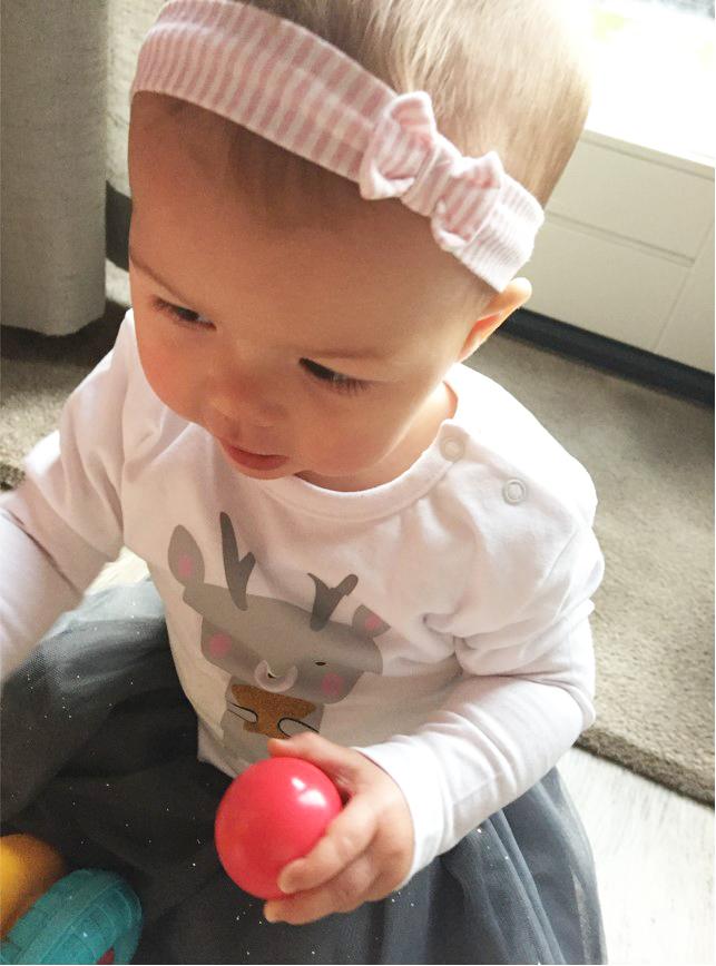 kerstkleding meisje, kerst oufit baby, panterschoentjes baby, babyhaarband, babylabel, kerst, review