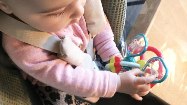 Sophie de Giraf speelgoed, Zuignap met speeltjes van Sophie de giraf, babyspeelgoed, review Babylabel