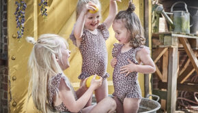 fair trade kinderkleding, duurzame kinderkleding, badpak luipaardprint, baby badpak, house of jamie