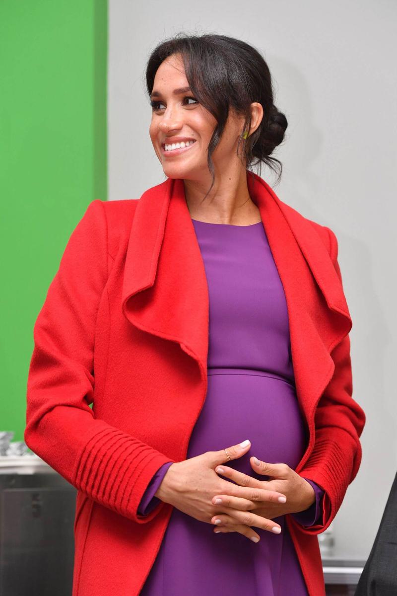 kleurrijke zwangerschaps kleding, koninklijke zwangerschaps looks