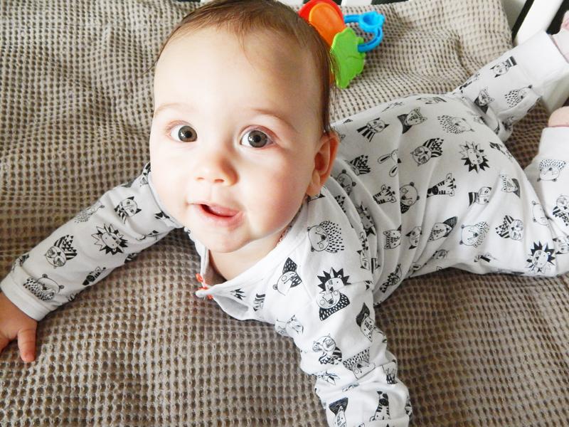wehkamp babykleding, wehkamp babycollectie, zwartwit babykleertjes, newborn kleertjes, baby boxpakje, kraamcadeau