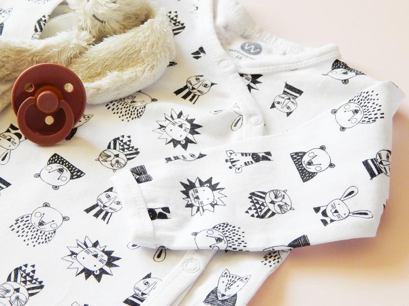 wehkamp babykleding, wehkamp babycollectie, zwartwit babykleertjes, newborn kleertjes, boxpak
