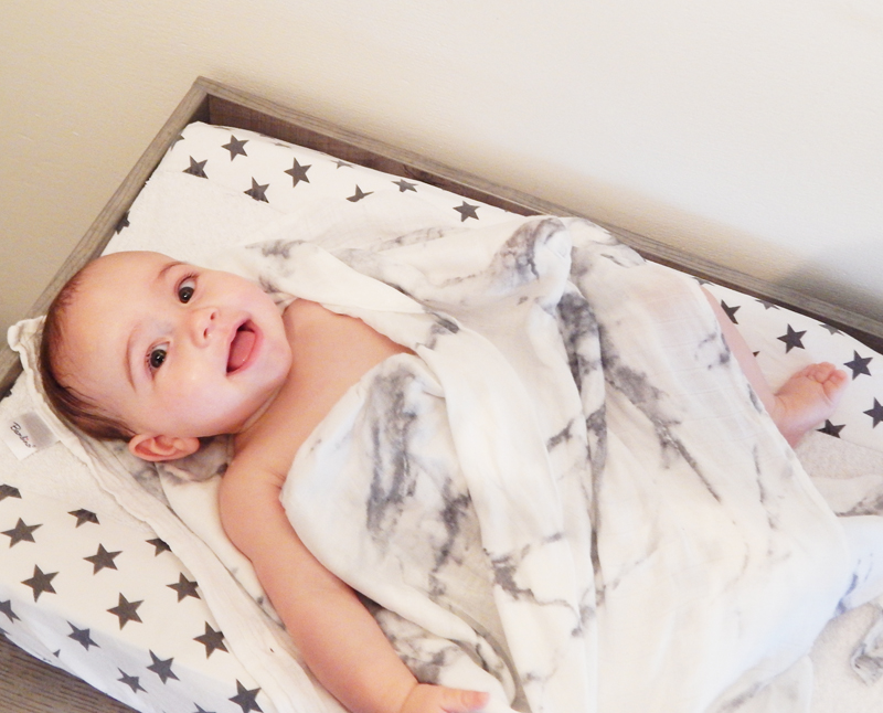 Lulujo swaddle, baby doek, babydoeken
