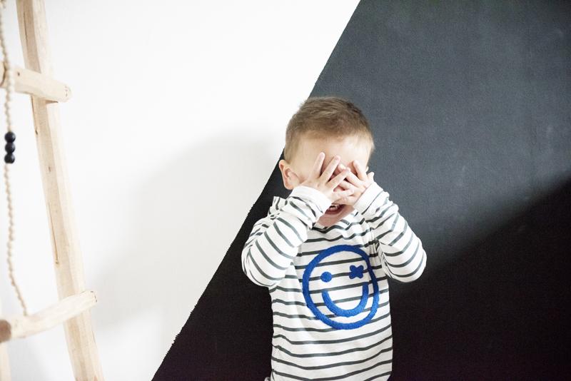 Moodstreet mini, peuterkleding jongen, peuterjongen, moodstreet kinderkleding, peuter sweater, trui met smiley, babylabel