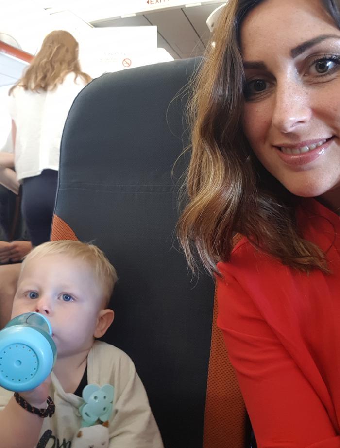 de eerste keer vliegen met een baby, vliegvakantie baby