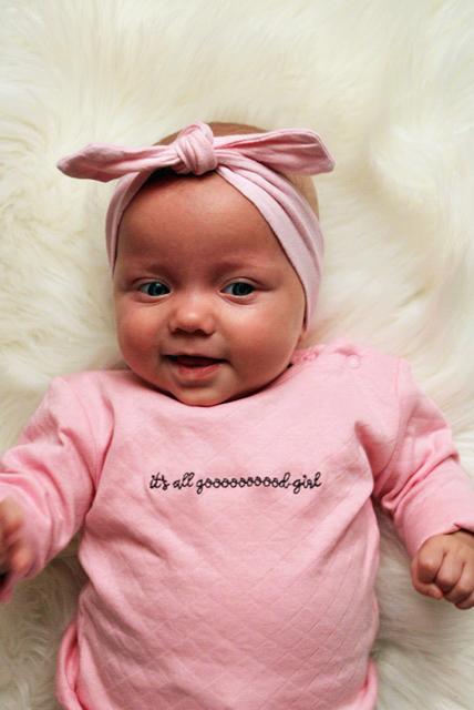 it's a girl. babymeisje, kraamcadeau baby meisje