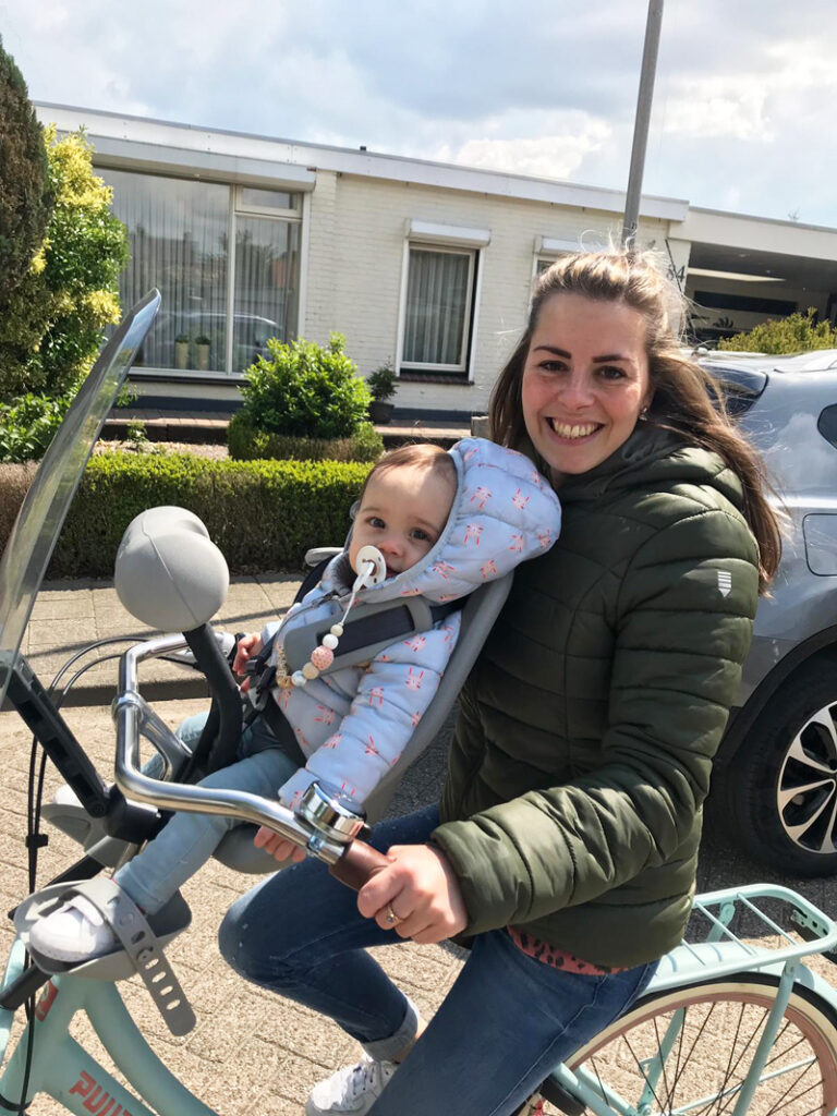 fietsen met je kleintje, voor het eerst fietsen met je kindje