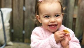 roze babyvestje, roze babyjasje, noppies jasje, babylabel, babykleding babymeisje