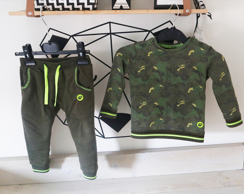 army print babykleding, legerprint baby kleding, stoere baby outfit, baby jongen