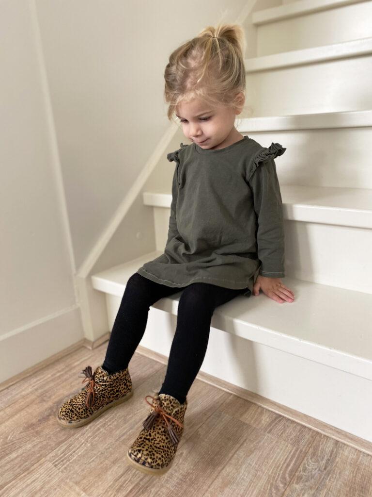 meisjes schoenen met panterprint, shoesme schoenen, veterschoen met panterprint, schoenen maat 24 meisje