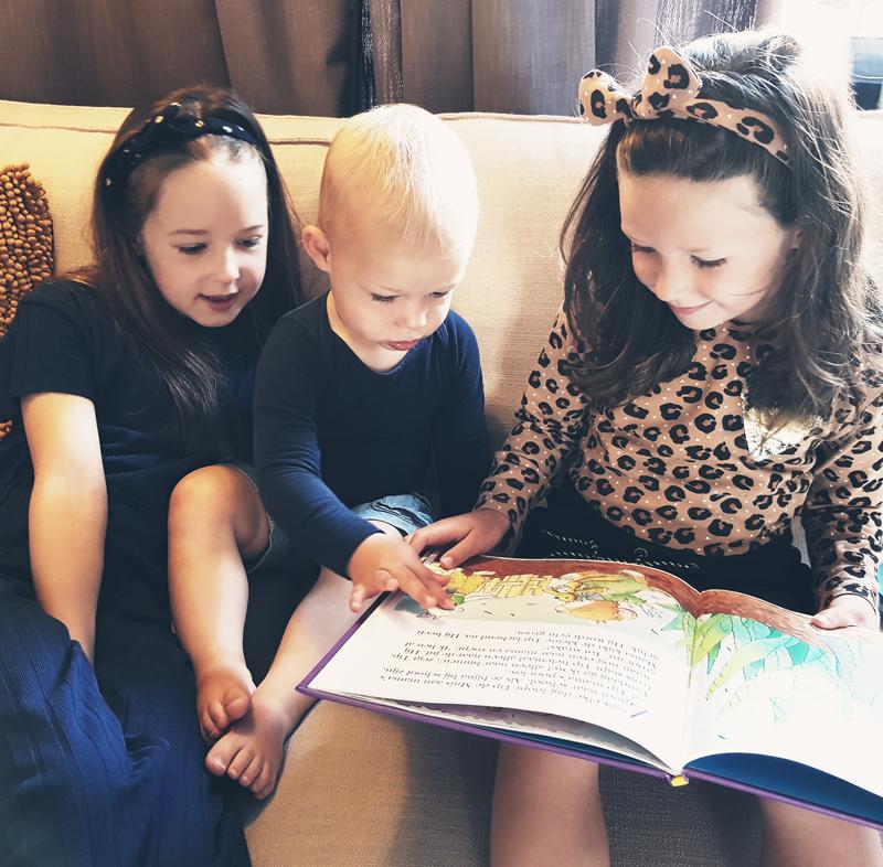 Stimuleren van spraak-taalontwikkeling, voorlezen kleine kinderen, taalontwikkeling, woordenschat, spraak-taalontwikkeling