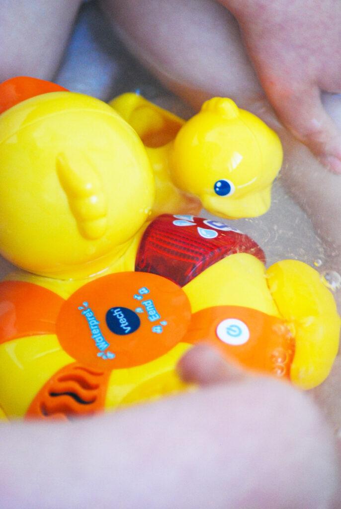 vtech badeend, badspeelgoed, vtech eend, speelgoed eend, vtech badeend review, vtech baby speelgoed, babyspeelgoed