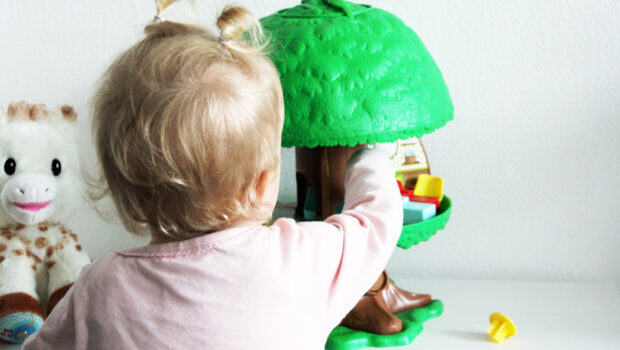 origineel speelgoed kind 1 jaar, origineel speelgoed baby 1 jaar, cadeau kind 1 jaar, cadeau baby 1 jaar, magische speelboom, klorofil speelboom
