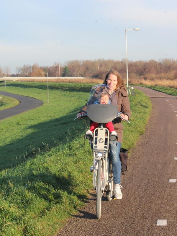fietsen met je kindje, eerste keer fietsen, qibbel