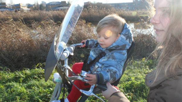 qibbel air voorzitje fiets, voorzitje fiets, eerste keer fietsen met je kind, fietsstoeltje, fiets voorstoeltje