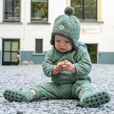 lodger, baby winterpak, baby winterkleding, Welke kleding moet mijn baby dragen in de winter, winter, wintermode baby, winterkleding baby, wintermode babykleding, babylabel, skipak baby