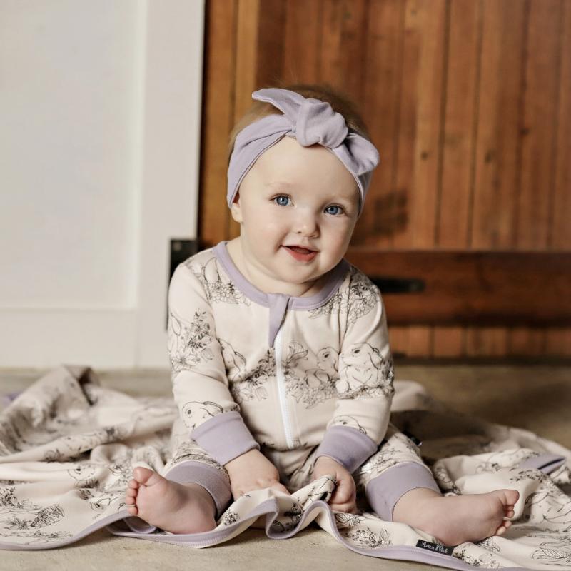 Fair Baby Beginnings, duurzame baby kleding, aster & oak, aster and oak, unieke babykleertje, schattigebabykleertjes, babylabel, babykleertjes webshop, kraamcadeau, babyuitzet