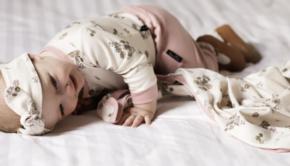 Fair Baby Beginnings, duurzame babykleding, aster and oak, aster oak, duurzaam, baby, baby webshop, organic babykleding, babykleertjes
