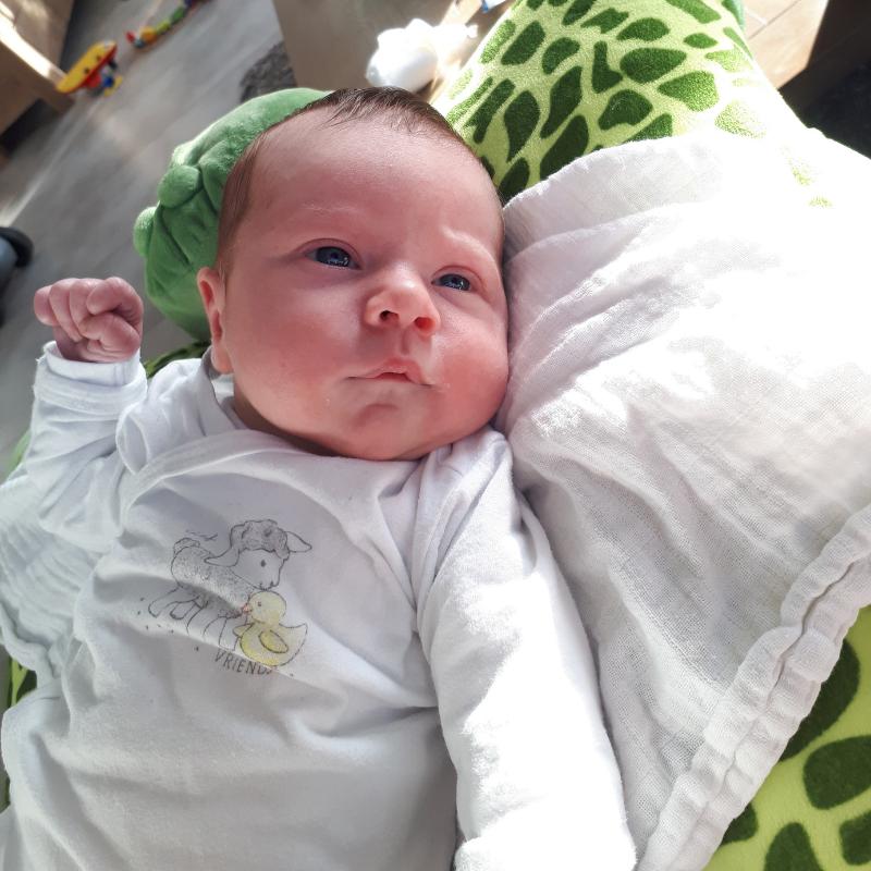 baby en een peuter, mom life, perfectionisme, alles perfect willen doen, perfecte moeder