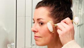 Jadesteen gezichtsroller wit, naver naked, jadesteen, gezichtsrollers, werkt een gezichtsroller, werkt een jadesteen voor je gezicht
