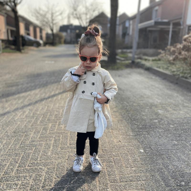 kinder zonnebril, goodcha, babyzonnebril, veilige zonnebril voor kinderen, kinderbril, kinderbrilen, meisje 3 jaar