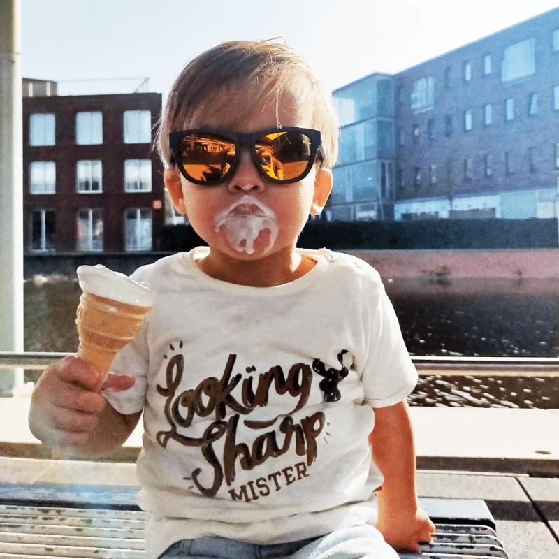 goodcha, zonnebril voor kinderen, zonnebrillen voor kinderen, zonnebril kind, kinderzonnebril, oogbescherming kind, stoere zonnebril, peuter jongen, dreumes jongen, zonbescherming kind, summer time ,zomer