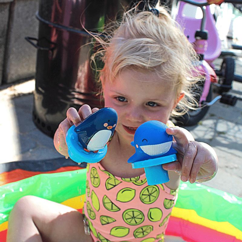 badspeelgoed, waterspeelgoed, speelgoed voor in het zwembad, buitenzwembadje, sophie de giraf, sophie de giraf badpuzzel, badpuzzel, baby badspeelgoed
