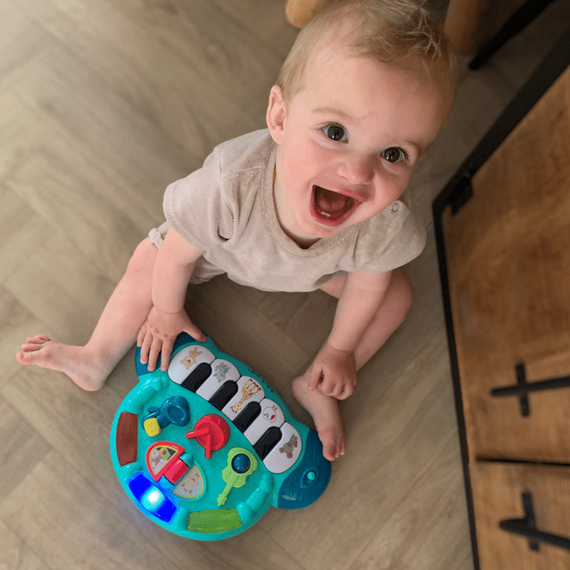 kinderpiano, sophie de giraf piano